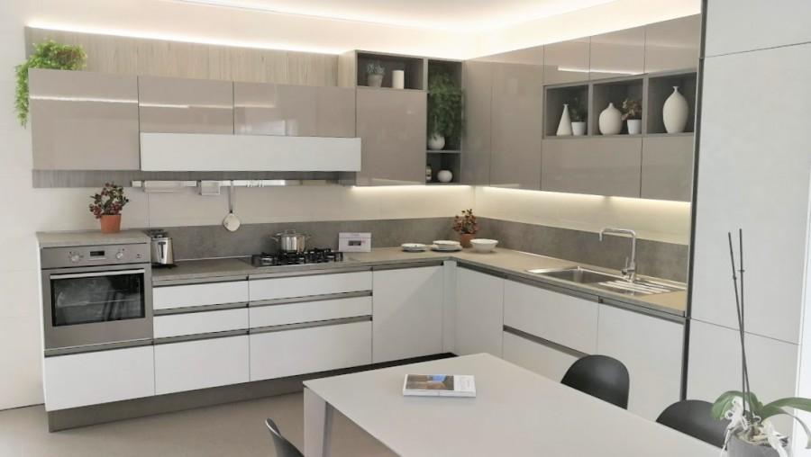 Cucina angolare Veneta Cucine Start Time Presa